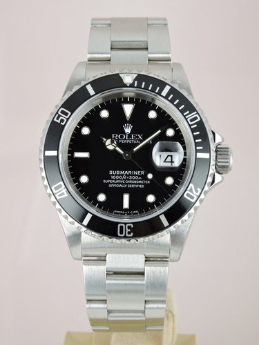 1997 Rolex Submariner Date 16610 - Box & Service Papers